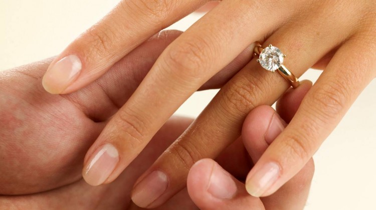 Engagement-diamond-ring